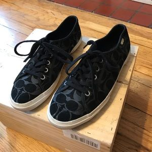 Coach  sneakers in great condition size 10